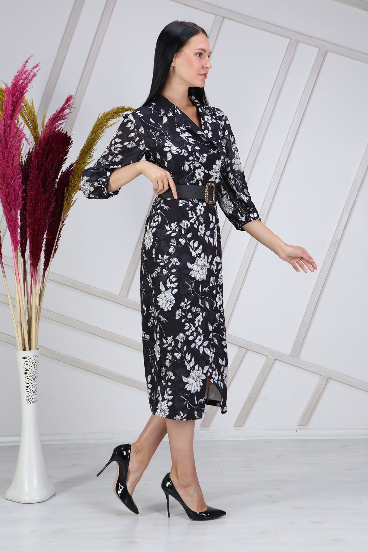 Beyaz Çiçek Desenli Siyah Elbise