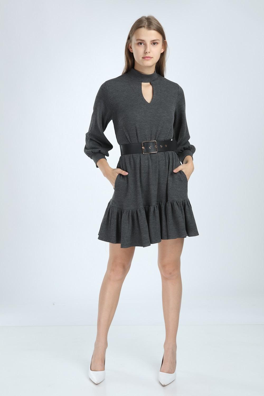 Gri Renk Eteği Fırfırlı Elbise