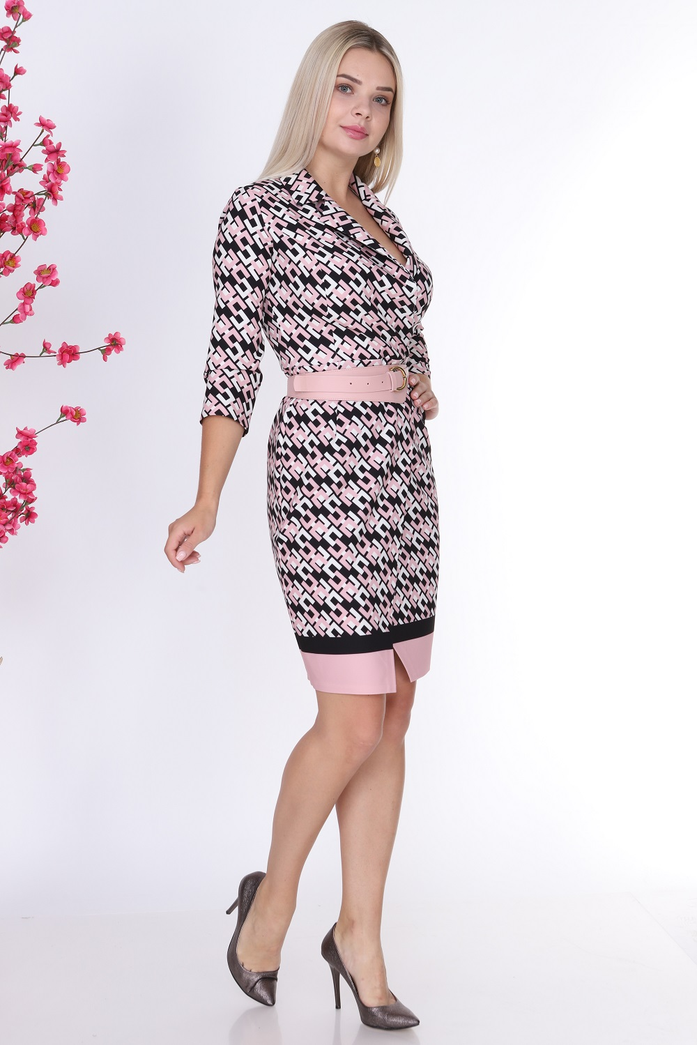 Desenli Yakalı Pudra Renk Elbise
