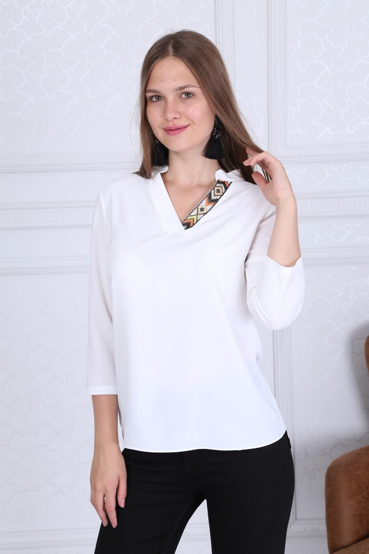 Yaka Detaylı Basic Beyaz Bluz