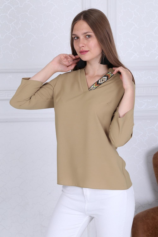 Yaka Detaylı Basic Bej Bluz