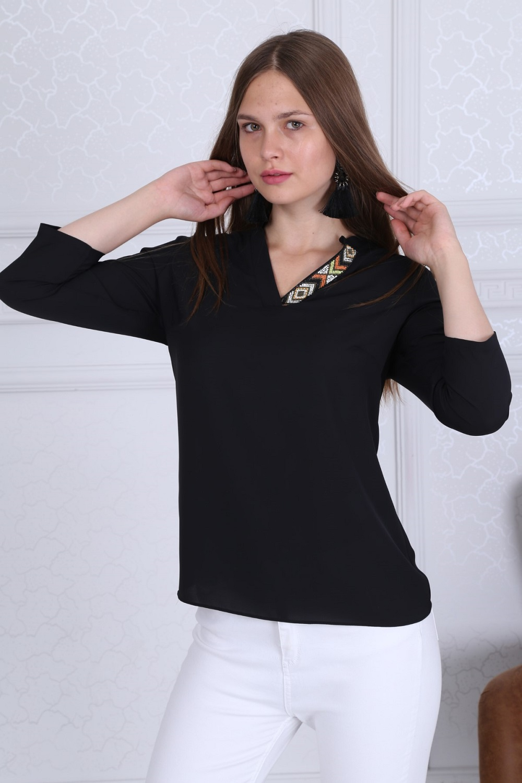 Yaka Detaylı Basic Siyah Bluz